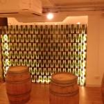 pared de botellas de cava soldadas